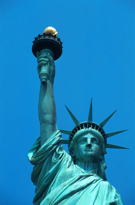 statue of liberty l statue of liberty face and torch www pixshark com