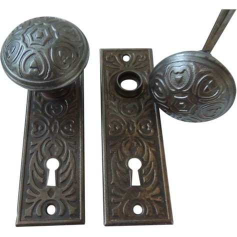 antique door knobs with back plates from rubylane sold on