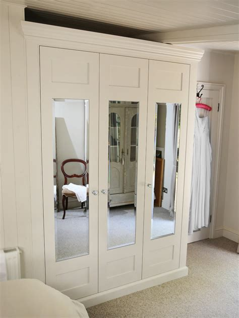 Mirrored Bedroom Wardrobes by Traditional Fitted Mirrored Wardrobe Bespoke Furniture
