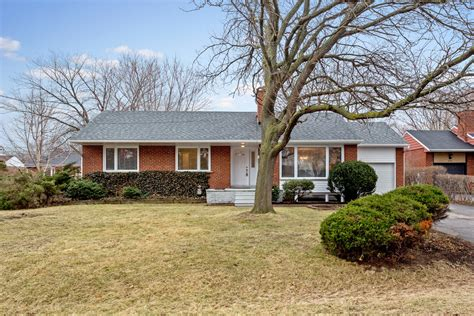 3 bedroom house for sale mississauga bungalow for sale mississauga gorgeous 3 bedrooms semi