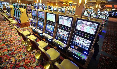 keuntungan bermain slot  indonesia agen game slot termurah