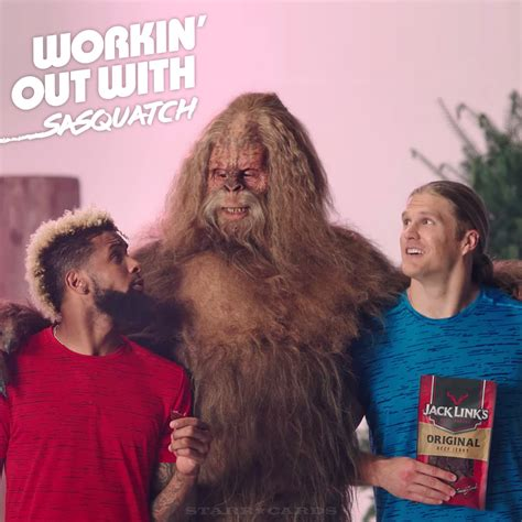 how much can clay matthews bench clay matthews odell beckham jr have been workin out with sasquatch
