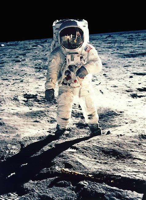 neil armstrong biography tes apollo 11 on a march 233 sur la lune
