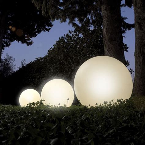 sfere illuminazione giardino lada a sfera luminosa da 38 cm