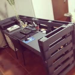 Office Desk Made From Pallets Pallet Office Desk 99 Pallets