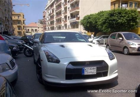 nissan lebanon nissan skyline spotted in beirut lebanon on 01 06 2010