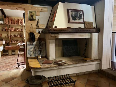 rivestimento camini rustici caminetti per cucinare camini in pietra da rustici a