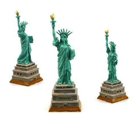 Souvenir Amerika Kaos Usa Liberty 4 usa statue of liberty creative resin crafts world landmark model tourism souvenir gifts