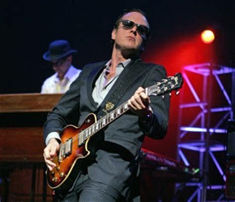 r j can t wait to appear on nightwatcher s house of rock blues rock guitar titan joe