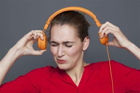 mendengarkan musik di mobil membuat perjalanan mudik lebih jangan lakukan 7 hal ini saat di perjalanan mudik lebaran