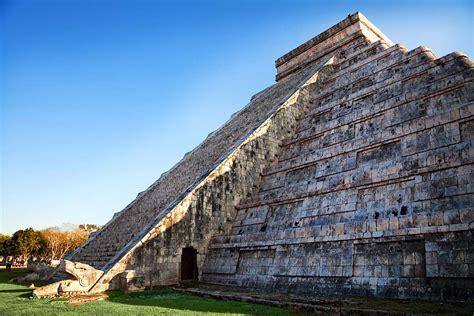 imagenes de maya sombra equinoccio en chich 233 n itz 225 el descenso de kukulk 225 n