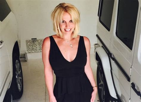Breaking Britneys Out With New Style Told You shows new haircut uinterview
