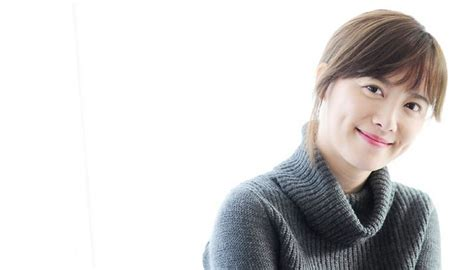 history of koo hye sun goo hye sun posts new bare face selca soompi