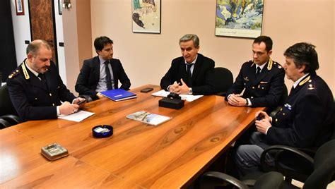 questura trento ufficio passaporti polizia controlli in aumento nel 2015 identificate oltre