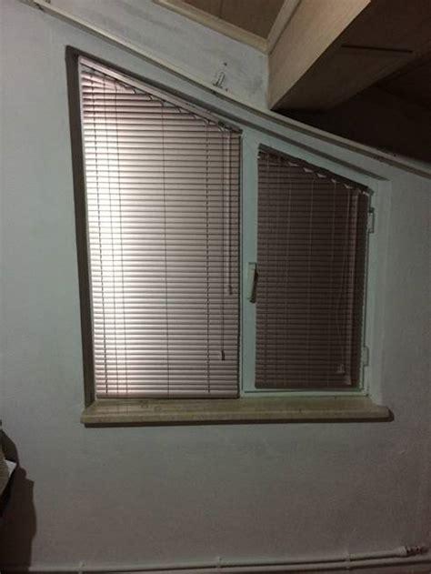 tende per finestre oblique tende veneziane per tutta la casa