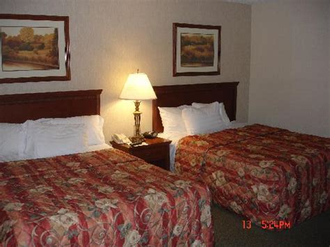 tv bed room picture of drury inn suites st louis