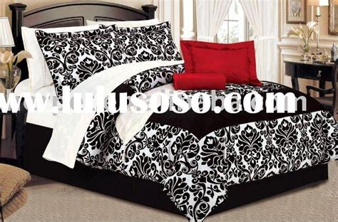 black damask comforter best 20 damask bedroom ideas on pinterest black vanity