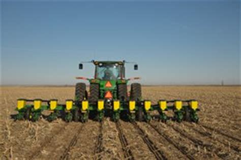 12 Row Planter by 1710 Planter Integral Vertical Folding