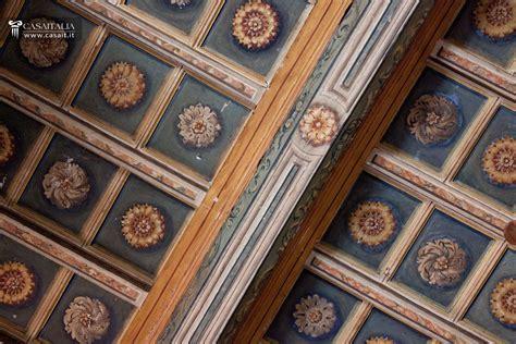 soffitti in legno decorati mobili bagno fantasia legno
