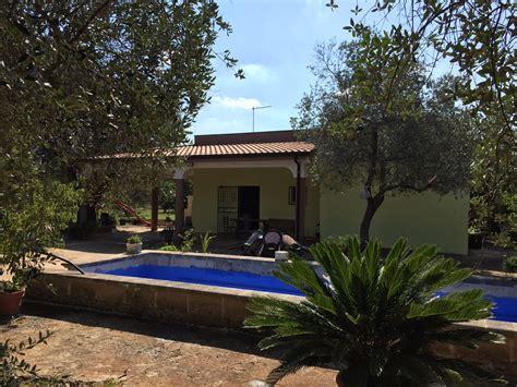 francavilla fontana villa in vendita francavilla fontana uliveto e piscina