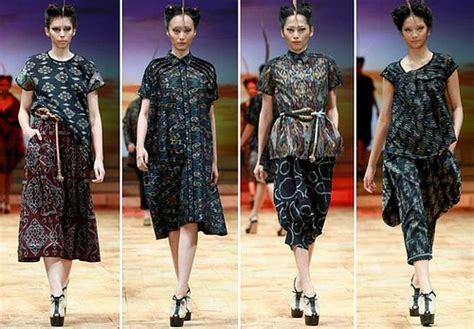 Dress Betty Hijau koleksi busana tenun eddy betty baju tenun batik