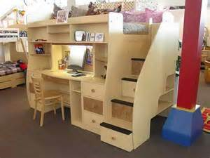 Bunk Beds With Underneath by Best 25 Loft Bed Desk Ideas On Bunk Bed With