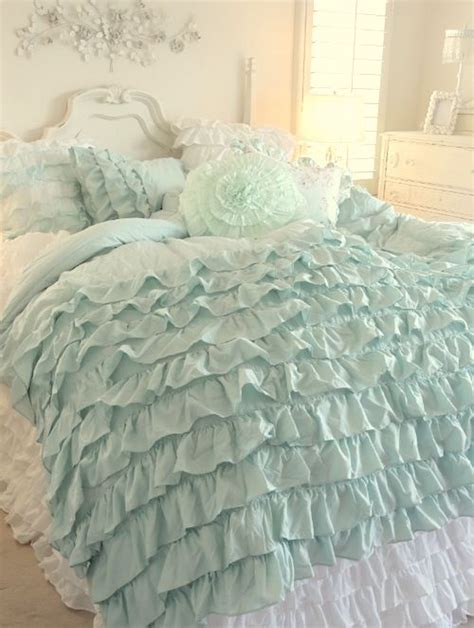 17 best ideas about ruffle bedding on pinterest ruffled comforter white ruffle bedding and