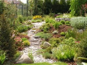 Arts And Crafts Style Homes Interior Design garden design ideas garden edging ideas