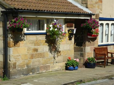 Cottage Staithes by 301 Moved Permanently
