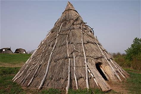 hutte préhistoire maison pr 233 historique vikidia l encyclop 233 die des 8 13 ans