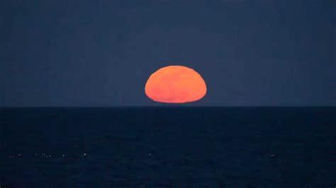 Moon Rising moon rising the horizon