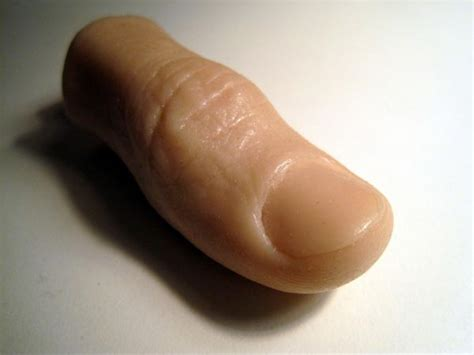 Horrible Human Thumb USB Flash Drive   Gadgetsin