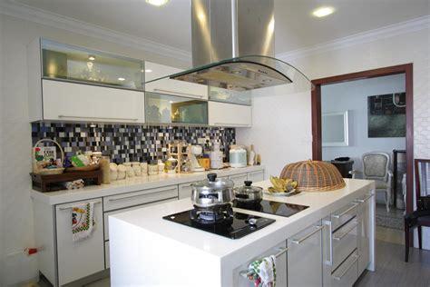 White Sleek Kitchen Innova Concept Sleek Kitchen Designs