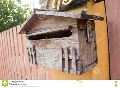 cassetta postale in legno cassetta postale di legno fotografia stock immagine di