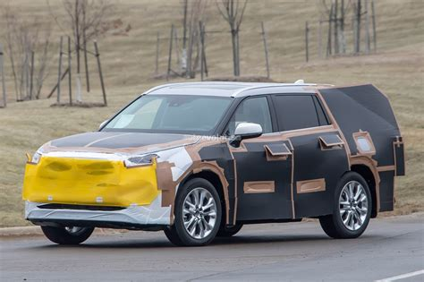 Toyota In 2020 2020 toyota highlander spied features rav4 inspired front