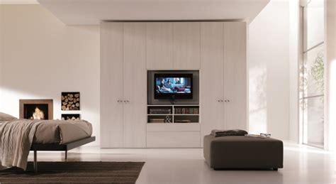 armadio con spazio tv armadio tv lo spazio per il televisore nei nostri armadi