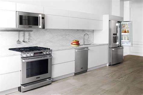 smart kitchen appliances faster smarter luxury appliances showcased at kbis 2016