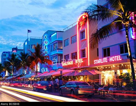 36 best images about the miami south beach look on south beach miami restaurants at night on ocean drive