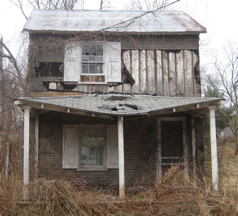 pictures of houses dilapidated house in va by cjheery on deviantart