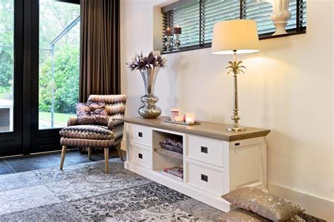 colori provenzali per mobili porta tv provenzale bicolore arredamenti provenzali