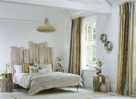 t 234 te de lit bois flott 233 une d 233 coration romantique qui