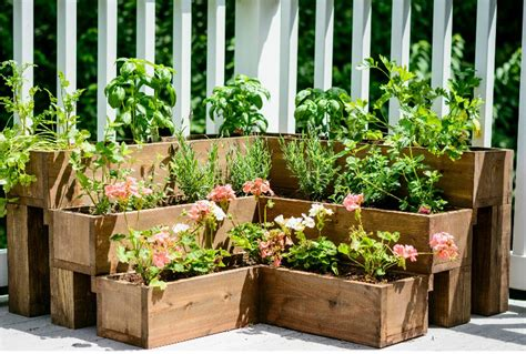 Tiered Herb Planter by Remodelaholic 25 Diy Outdoor Furniture And Decor Projects