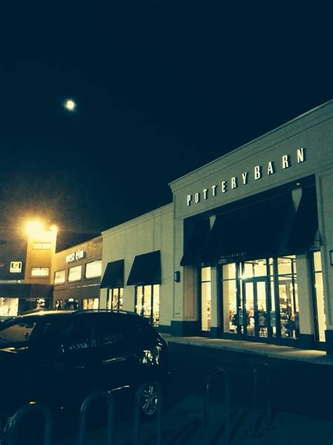 Pottery Barn Chicago Il Pottery Barn On North Avenue In Chicago Yelp