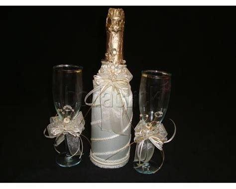 botellas de sidra decoradas para el novio imagenes con diamantina botella para boda imagui botellas y copas para bodas