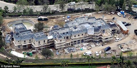 Tom Buys A Mansion by Gisele Bundchen And Tom Brady List 50m La Fortress