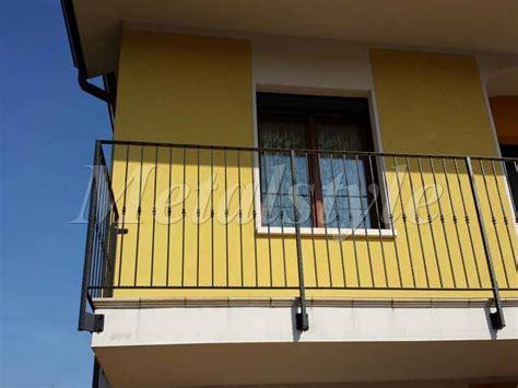 altezza ringhiera balcone balcone parapetti 13 metalstyle