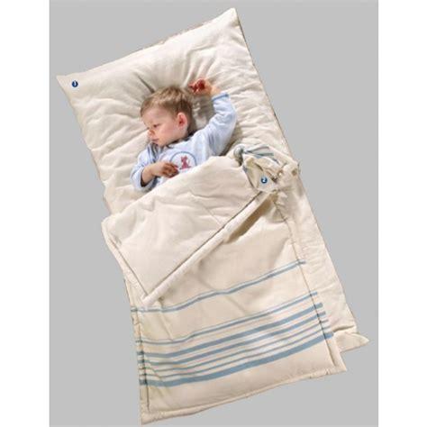 futon bebe futon b 233 b 233 et couette 60x120 cm 233 e bleu bien 234 tre