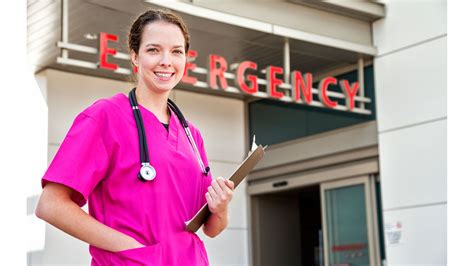 Emergency Room Doctor by Tips From An Er Doctor Preparing For An Emergency Room Visit