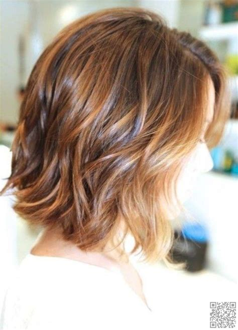 A Long Bob With Wavy Texture For Fine Hair Lob With Waves | 38 hairstyles for thin hair to add volume and texture