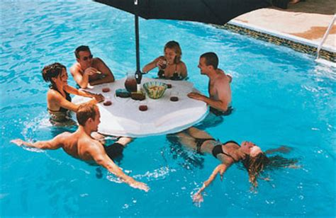 floating pool bar aquapub 02 inhabitat sustainable